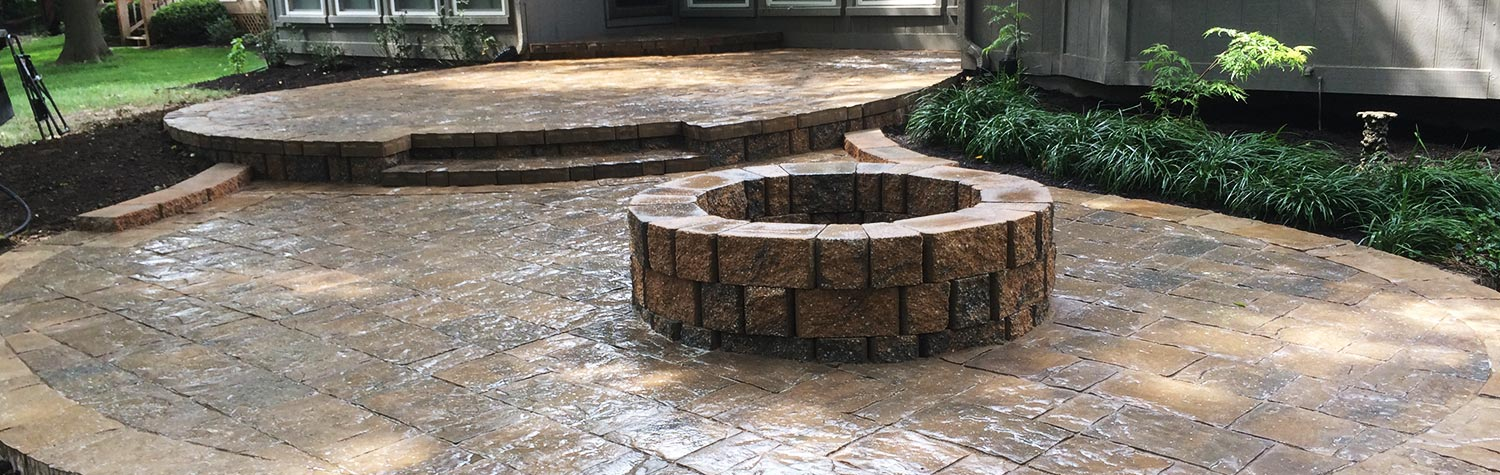 hardscaping-paver-patio-fire-pit